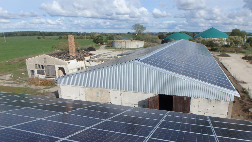 Halle mit 200 kWp